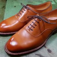 生徒作品36:初級コースの生徒さんの靴です。ダブルウェルテッド製法で作りました。